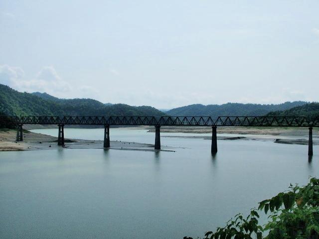 011:シュウパロ湖三弦橋